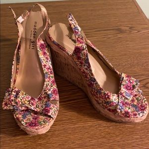 Madden Girl Open Toe Floral Wedge size 8